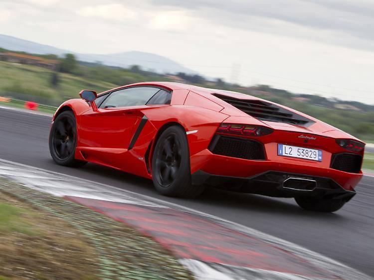 Lamborghini aventador – живая легенда мира суперкаров