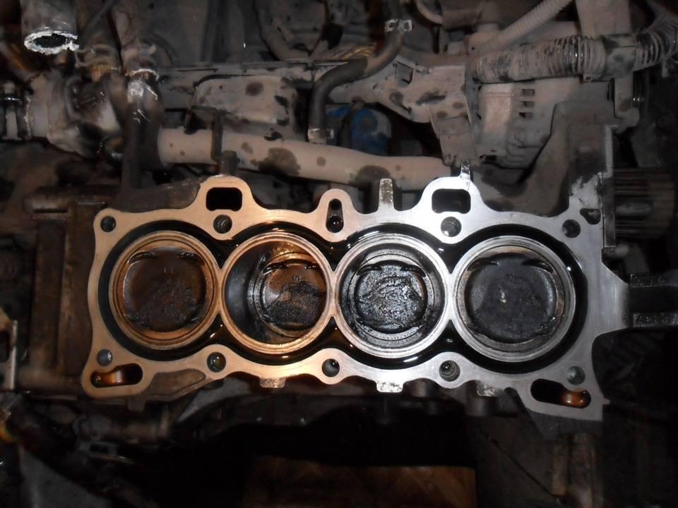 Уходит масло из двигателя: причины, советы по устранению проблемы