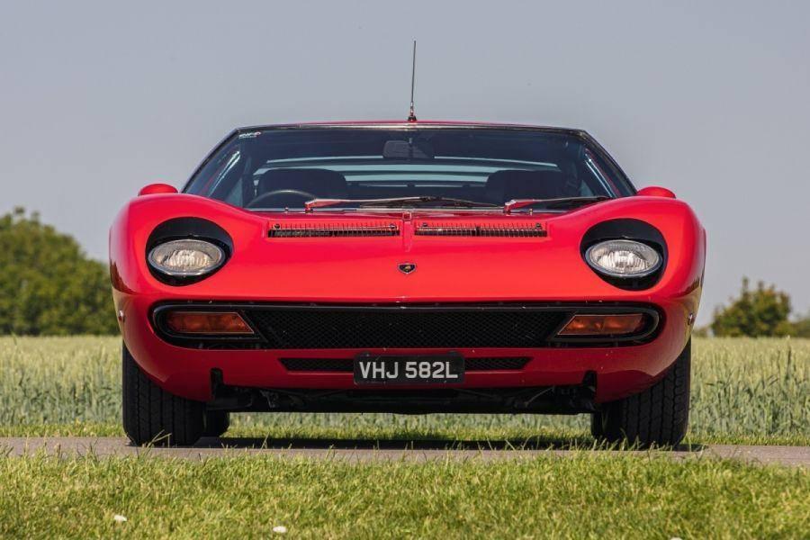 Lamborghini miura: как побить ferrari, не отвлекаясь от выпуска тракторов. lamborghini miura: итальянская классика lamborghini miura описание