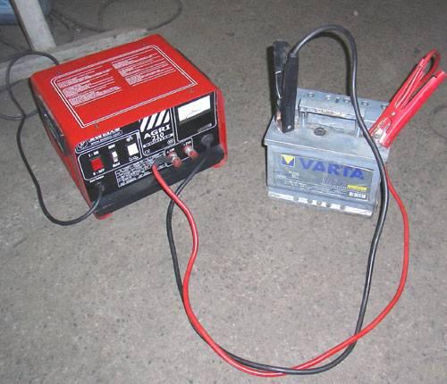 Заряжаем акб правильно. время зарядки, ток и напряжение.