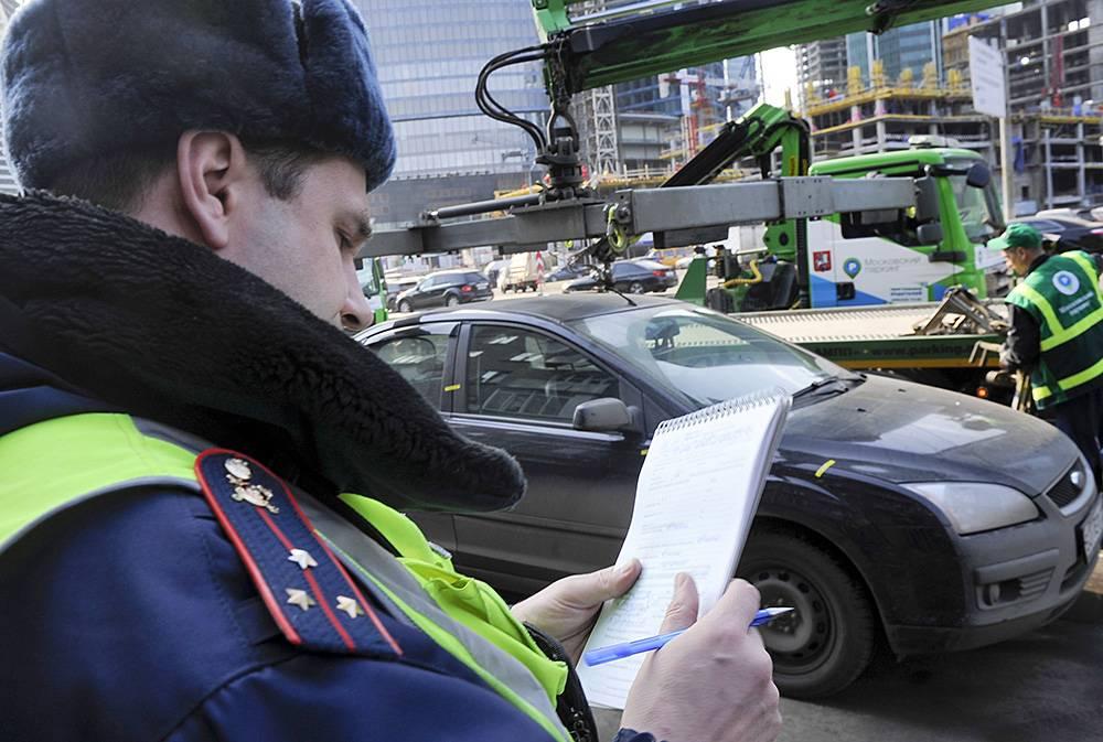Езда без прав на мотоцикле: штраф и ответственность, порядок оплаты, последствия - realconsult.ru