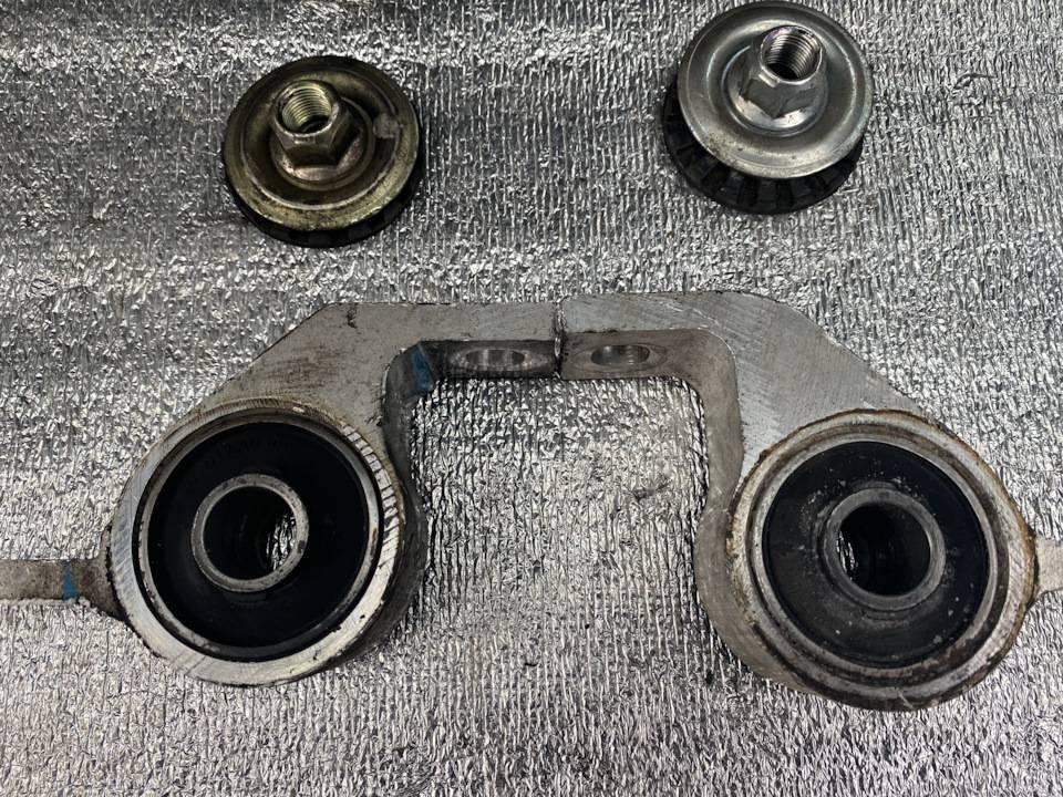 Saab 9-3 ii с пробегом: нежный алюминий рычагов подвески и слабый грм моторов