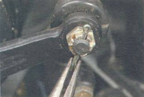 Как восстановить рулевой наконечник своими руками