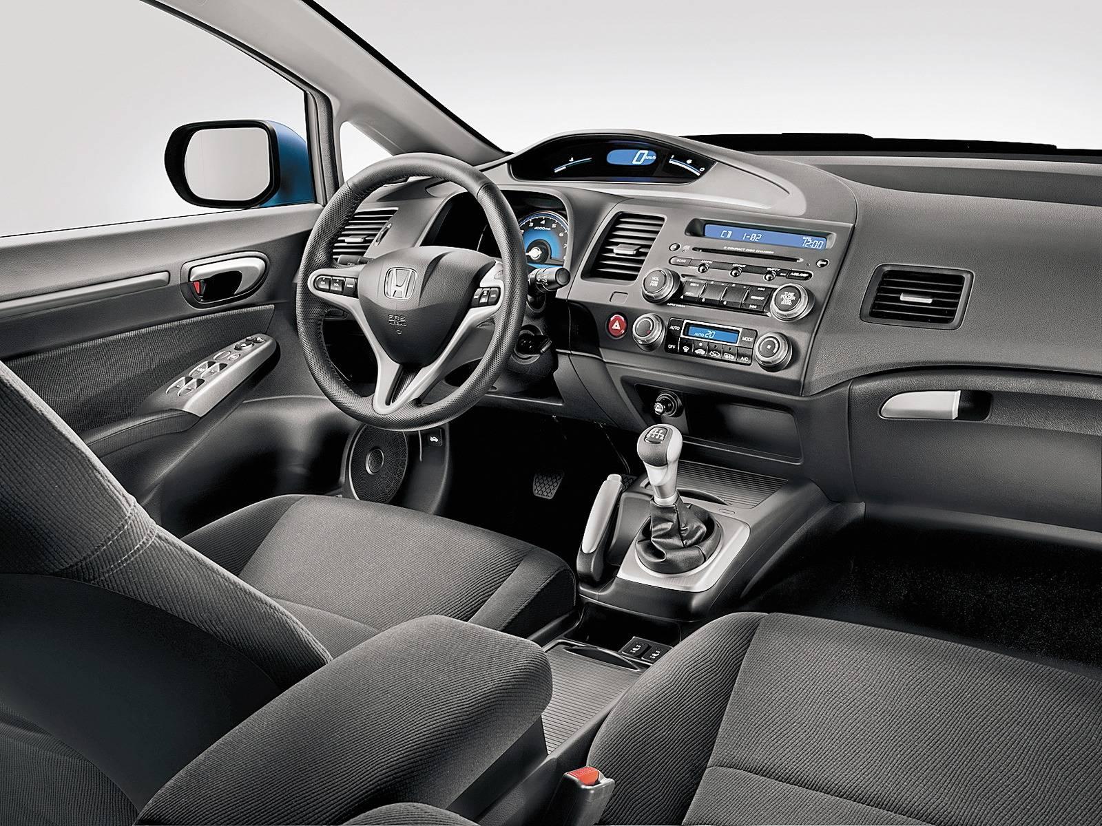 Зачем нужен RAV4, когда есть он? Обзор Honda CR-V III поколения