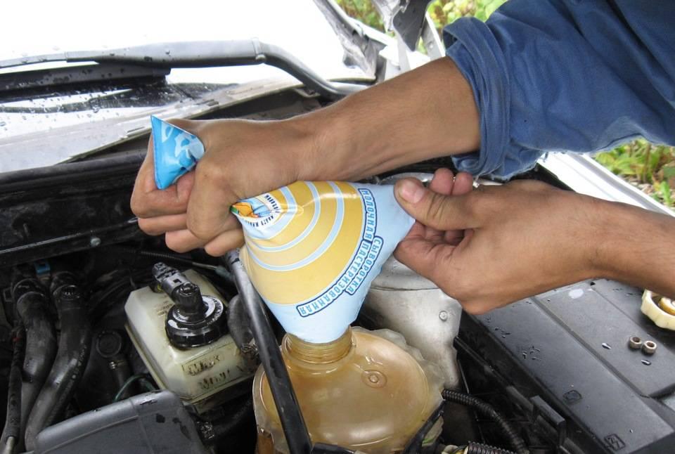 Промывка двигателя при замене масла: нужно ли промывать двигатель и как это правильно делать?