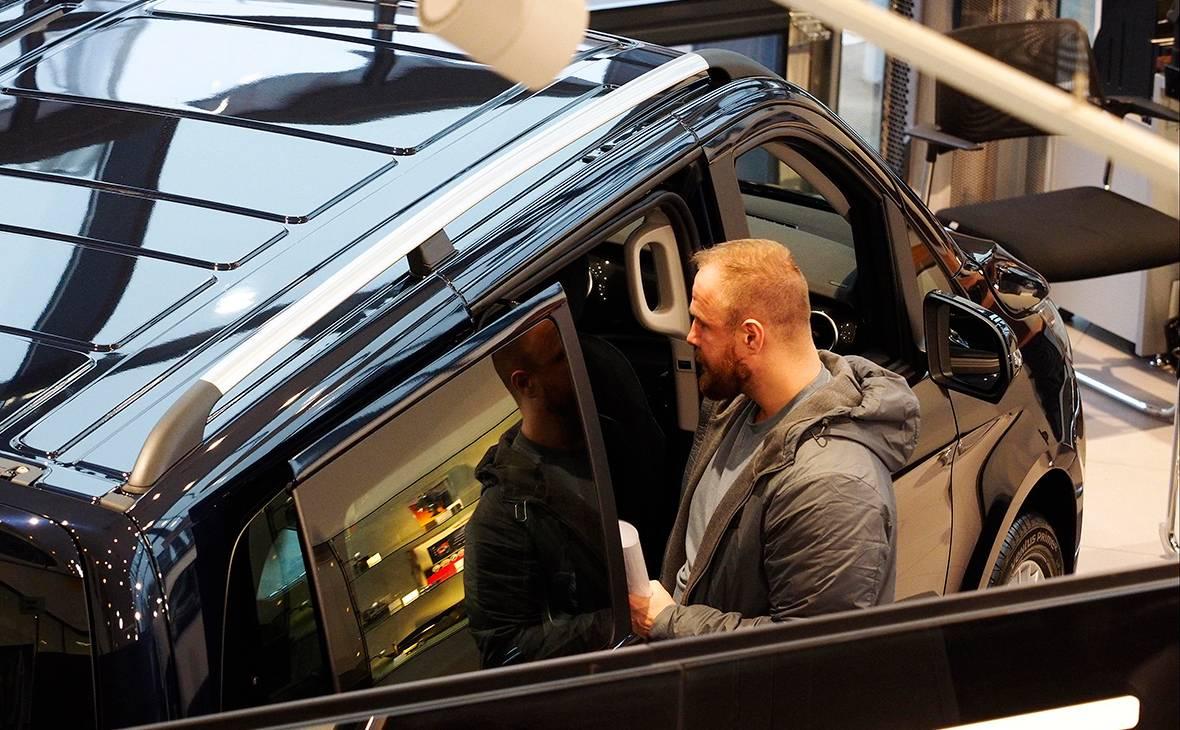 Клиенты дилеров ушли на вторичку: россияне все чаще берут подержанные авто