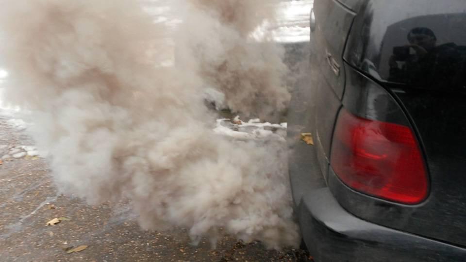 Белый, черный и сизый дым из выхлопной трубы дизельного и бензинового двигателей, причины, как устранить » автоноватор