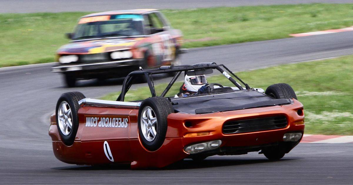 Лучшие гоночные автомобили для дорог общего пользования