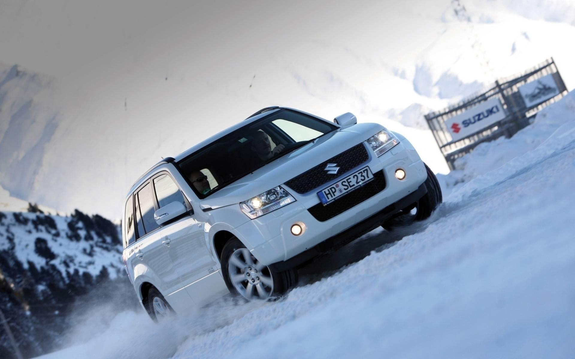 Нельзя любить — можно только ездить: тест-драйв Suzuki Grand Vitara III