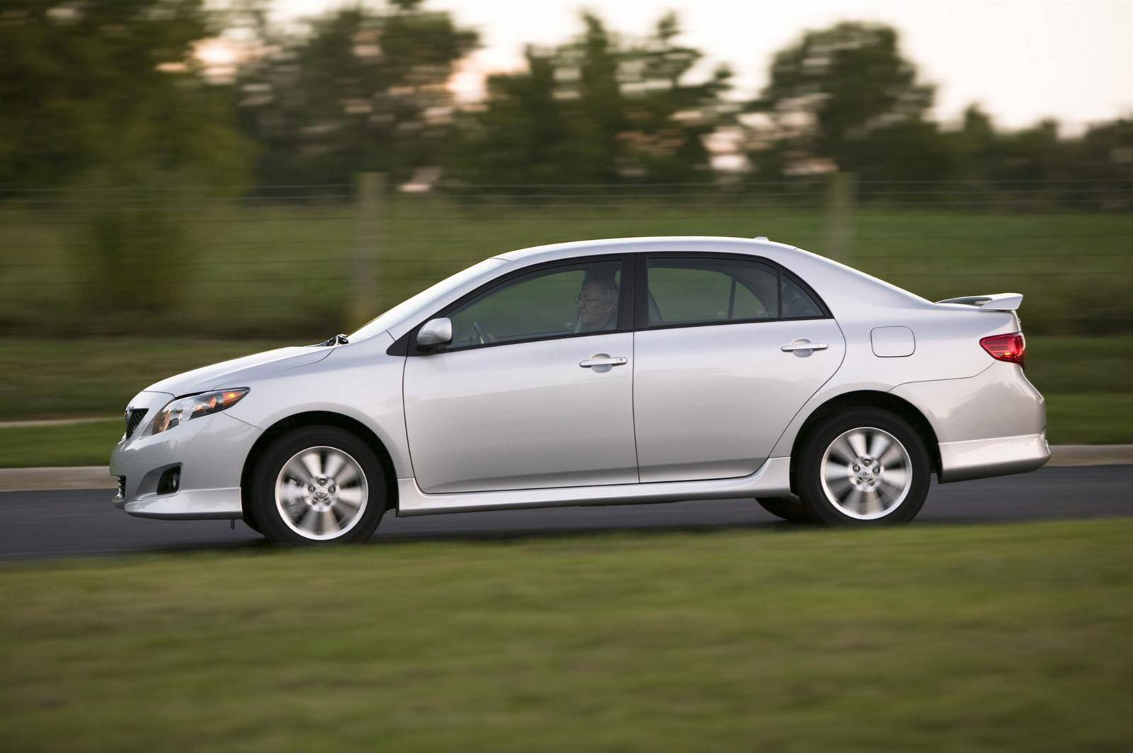 Краткий гид по «Короллам»: какую Toyota Corolla выбрать
