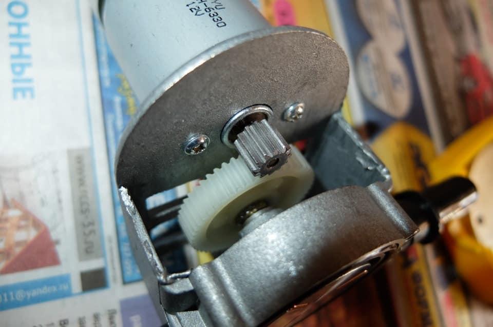 Вакуумный насос для откачки масла из двигателя своими руками