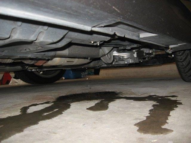Что делать, если потек радиатор охлаждения автомобиля?