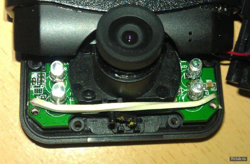 Не заряжается видеорегистратор от прикуривателя и не держит заряд