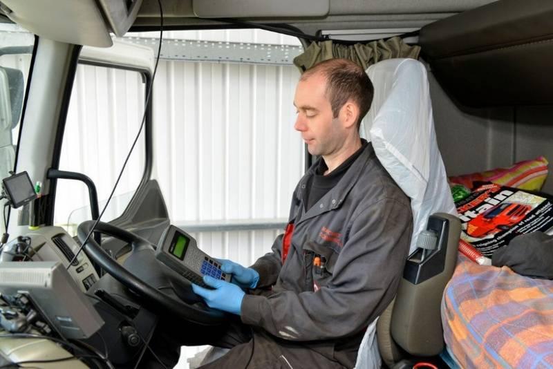 Что такое тахограф и кто его обязан устанавливать в автомобиле?   обслуживание   авто