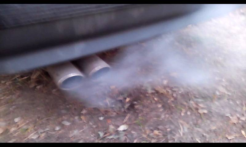 Черный дым из выхлопной трубы дизель, бензин, ваз 2109 инжектор, 2106 карбюратор