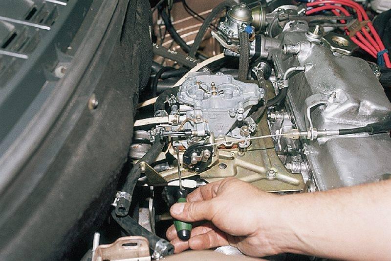 Причины потери мощности двигателя, бензинового, карбюбраторного и инжекторного: снижение компрессии, неисправности акпп и нарушение фаз газораспределения