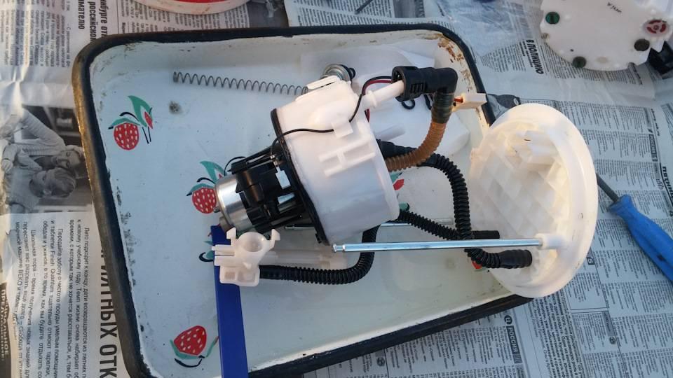 Замена топливного фильтра соренто. фото, инструкция как поменять топливный фильтр на киа соренто xm 2.4 л. бензин. замена топливного фильтра и топливного насоса (бензонасоса в баке) kia sorento | kianova - kianova