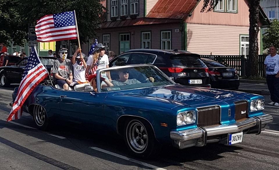 Три американца установили рекорд скорости путешествия через америку