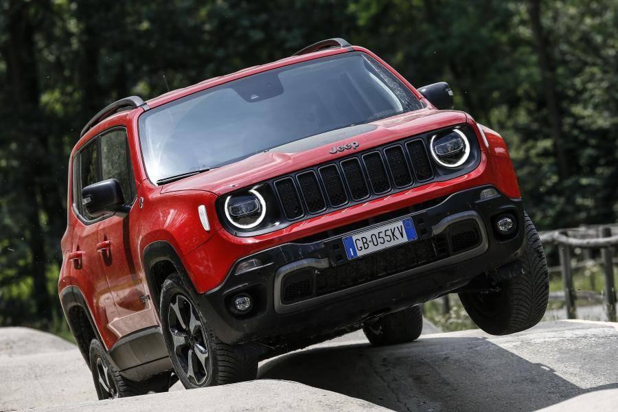 Jeep везет в россию обновленный renegade - журнал движок.