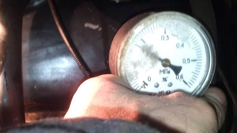 В двигателе нет давления масла или давление падает: причины и способы устранения
