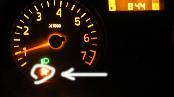 Горит лампочка airbag, причины и что делать