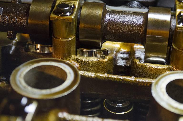 Как часто менять масло в моторе (интервал, пробег, моточасы)