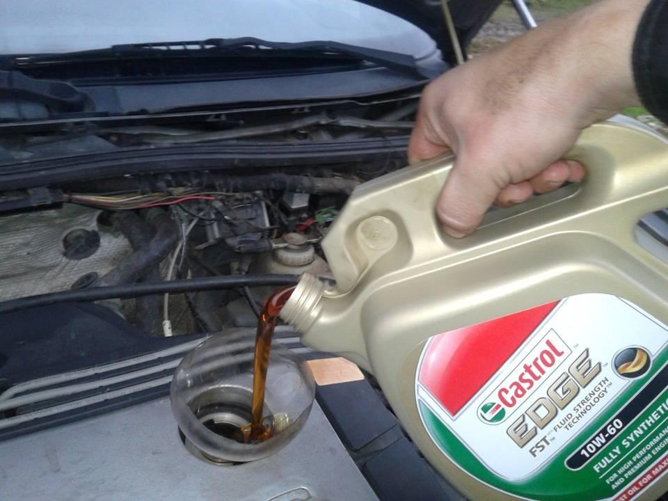 Что будет если в двигатель подлить другое масло