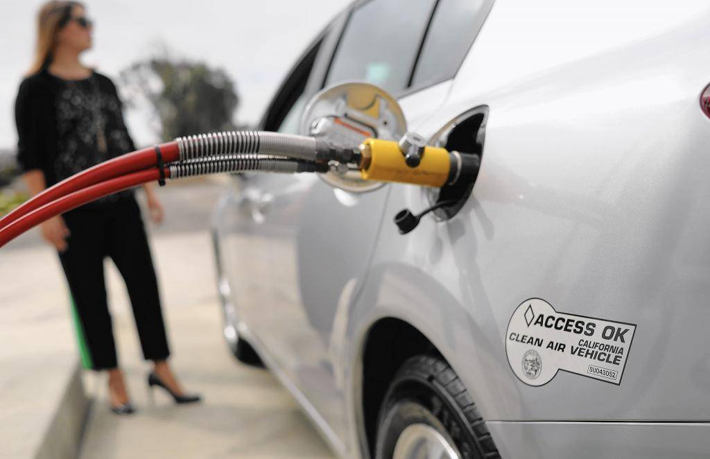 Что случится, если заправить автомобиль не тем топливом
