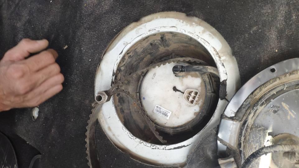 Замена топливного фильтра соренто. фото, инструкция как поменять топливный фильтр на киа соренто xm 2.4 л. бензин. замена топливного фильтра и топливного насоса (бензонасоса в баке) kia sorento