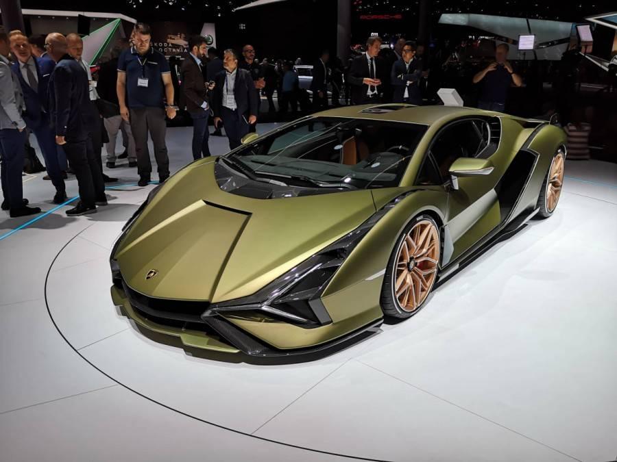 Lamborghini отказалась участвовать в автосалонах ► последние новости