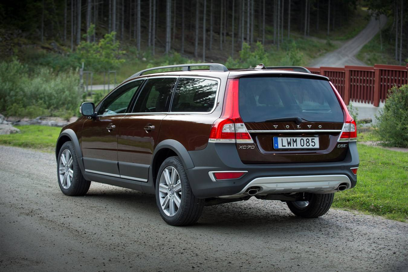 Шведский универсал: чем привлекает Volvo XC70 II