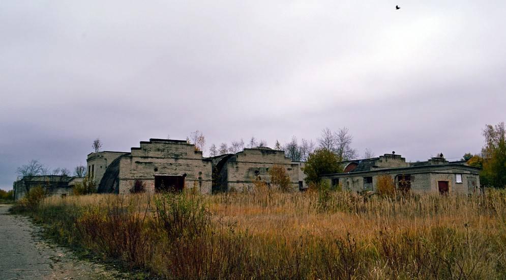 Развалюхи задаром: петербуржцы начали скупать заброшенные дома в глуши