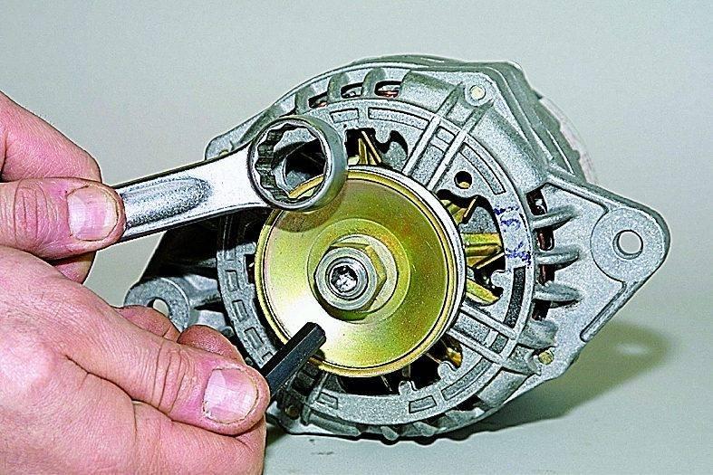 Простой ремонт генераторов своими руками + фото и видео