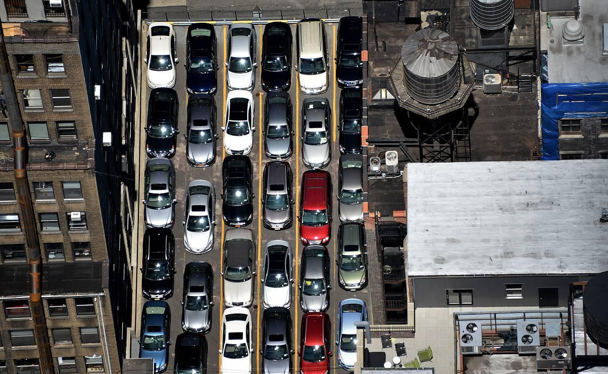 Эксперты узнали, какой мегаполис больше всего обеспечен машинами