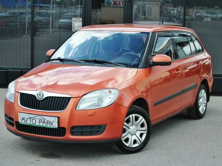 Шкода фабия 2006-2014 - не дорогой и достаточно надежный автомобиль