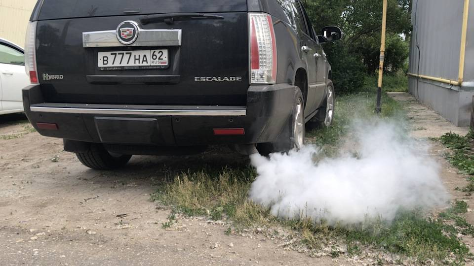 О чем говорит дым из выхлопной трубы? как устранить неисправность самому?