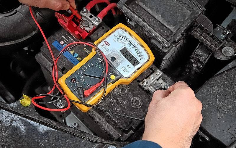 4 простых способа, как проверить заряд аккумулятора автомобиля | ????⚡автомобильные аккумуляторы