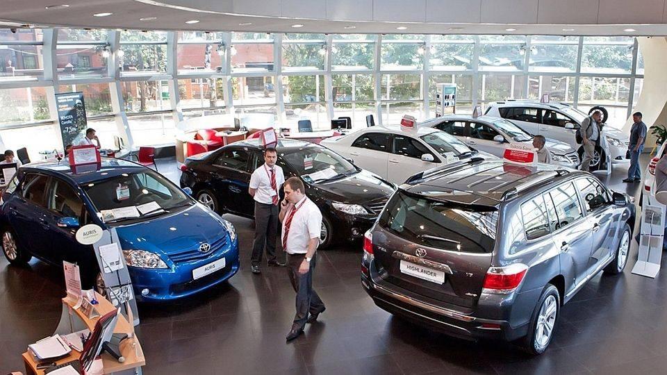 Стало известно, сколько денег готовы потратить россияне на покупку автомобиля