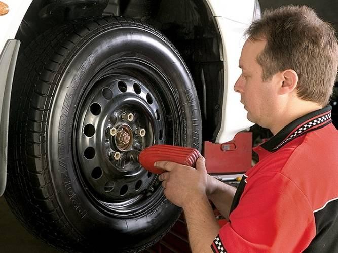 Как правильно балансировать колеса