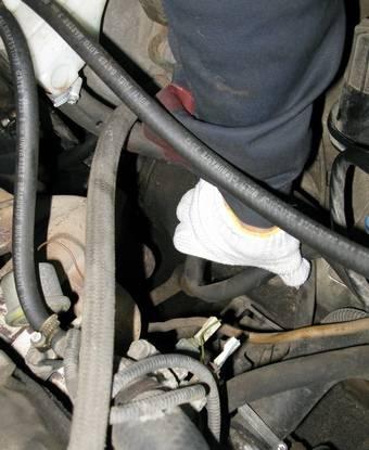 Почему гидроусилитель руля ломается: ремонт рейки, замена и регулировка гур