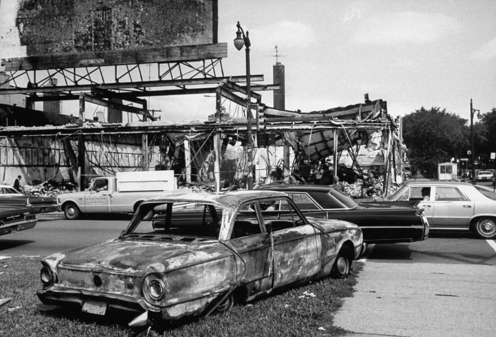 Что случилось с детройтом и почему его называют городом-призраком