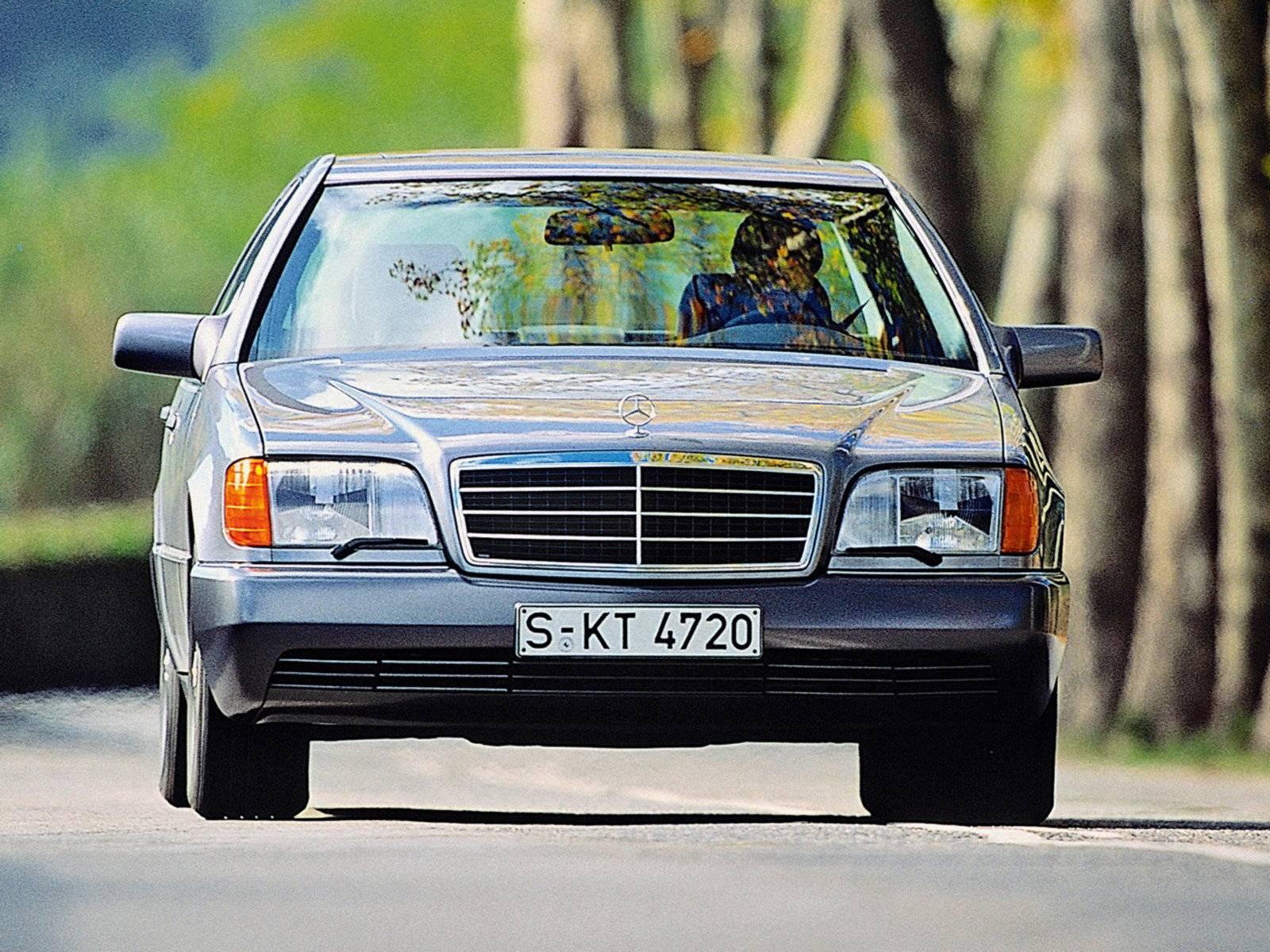 «Мерседес» за «рубль сорок»: кому подойдет легенда 90-х
