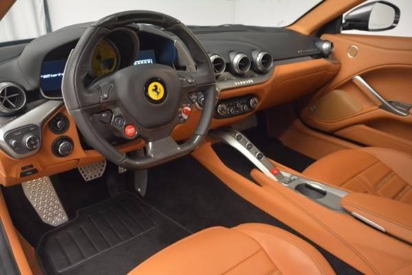 Ferrari f12 berlinetta разгоняется до сотни за 3,1 секунды