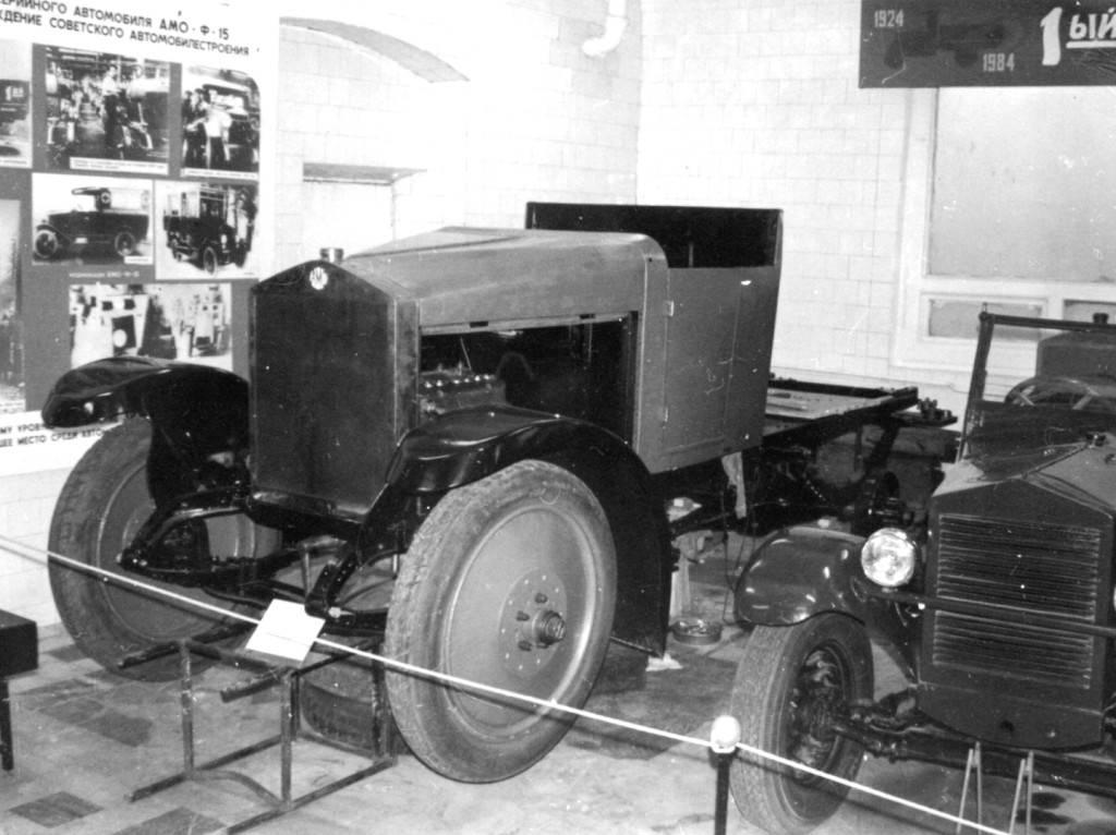 Cкопированные, но советские: редчайшие военные автомобили амо. советские автобусы амо, зис, зил автобус амо ф 15 двухдверный