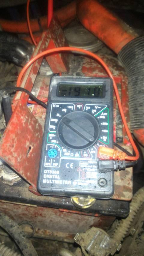 Не заряжается аккумулятор автомобиля от генератора