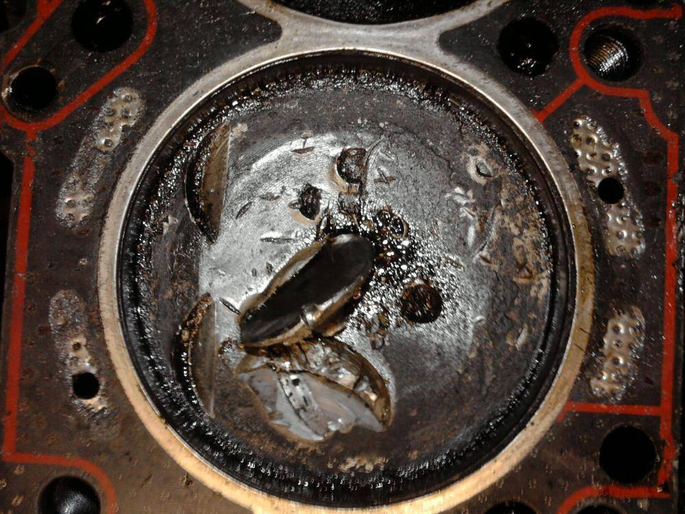 Почему мотор ест масло: причины на бензиновых и дизельных двигателях, как устранить проблемы своими руками