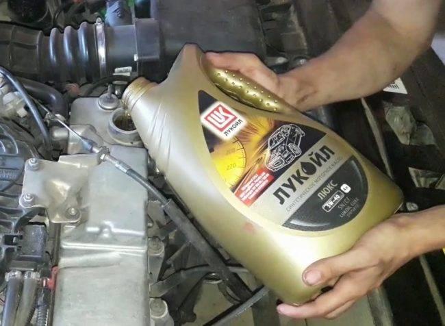 Можно ли заливать дизельное масло в бензиновый двигатель ваз