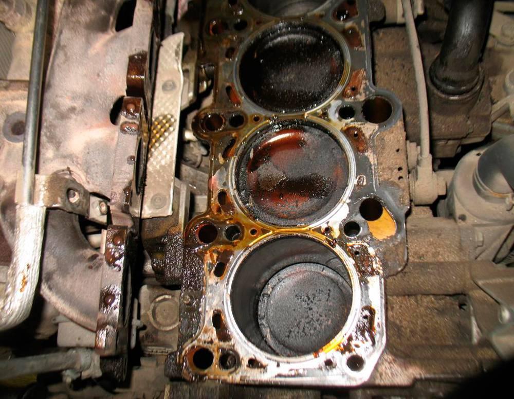 Низкий уровень масла в моторе - причины и последствия