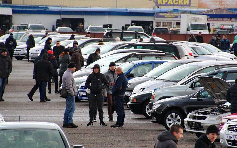 Россияне покупают авто с пробегом из-за нехватки денег