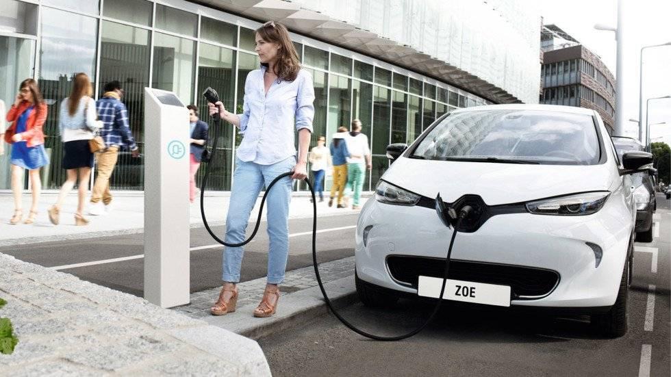 Почему владельцы электрокаров со временем возвращаются к бензиновым автомобилям?